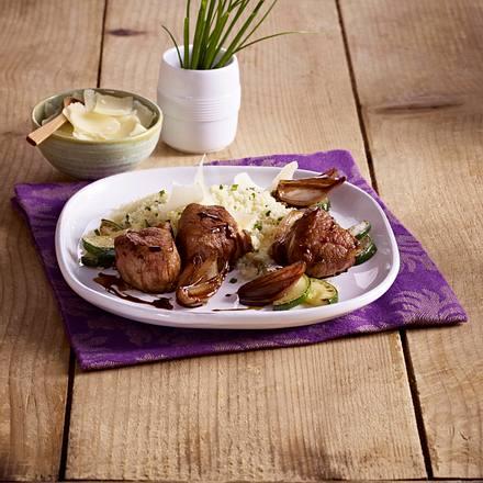 Lammsteaks mit Kräuter-Couscous und Schalotten Rezept