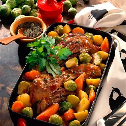 Lammstelzen mit Rosenkohl, Möhren, Kartoffeln und Thmian Rezept