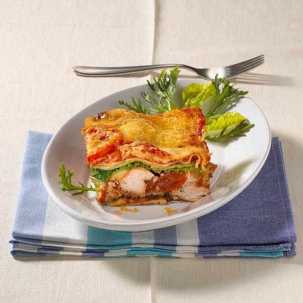 Lasagne mit Putenfilet, Wirsing und Tomatensoße Rezept