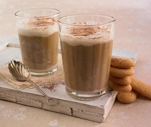Latte Chai-Creme mit Knusperkeksen Rezept