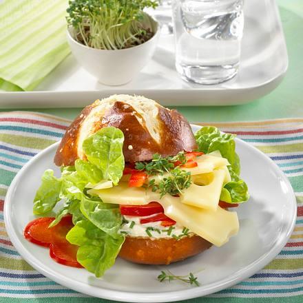 Laugen-Käse-Burger Rezept