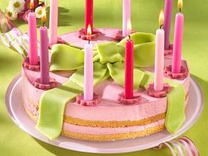 Laura-Geburtstagstorte (Himbeer-Joghurt-Marzipan-Torte) Rezept