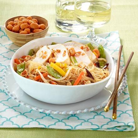 Lauwarmer Hähnchen-Glasnudel-Salat Rezept