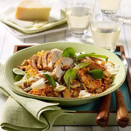 Lauwarmer Linsensalat mit Hähnchenfilet und Parmesan Rezept