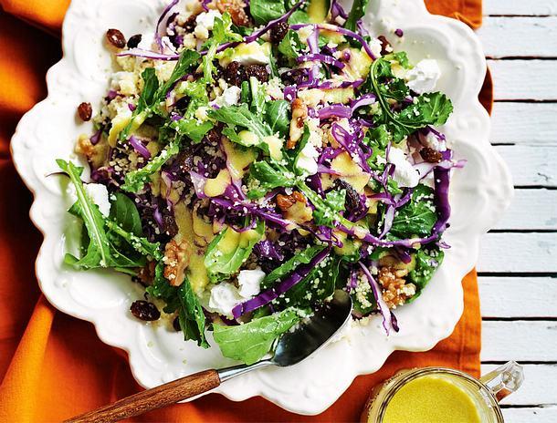 Lauwarmer Rotkohlsalat mit Couscous Rezept