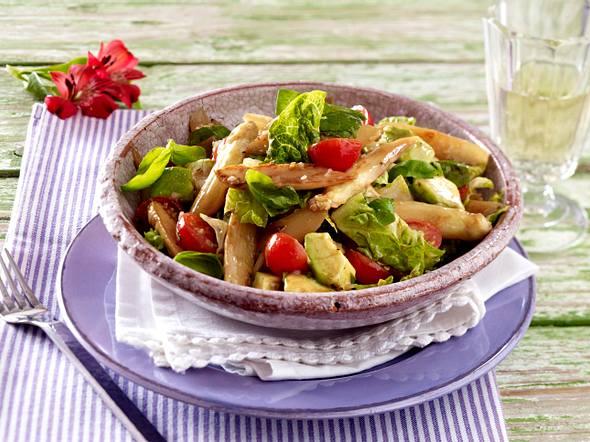 Lauwarmer Spargelsalat mit Kirschtomaten und Avocado Rezept