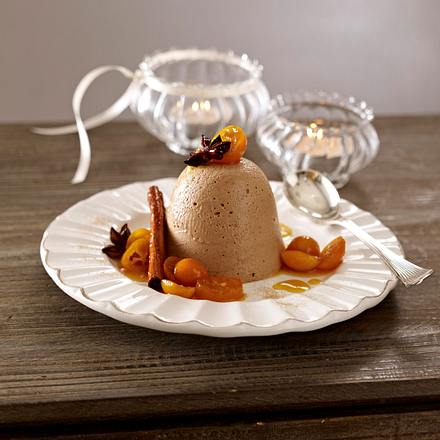 Lebkuchen-Parfait auf Orangensoße mit mariniereten Kumquats Rezept