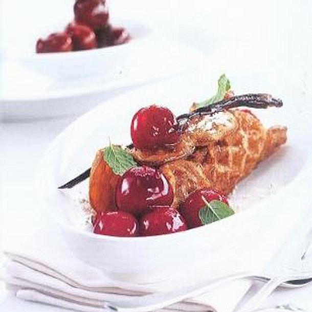 Lebkuchenwaffeln mit Kirschen á la Frank Rosin Rezept
