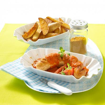 Leichte Currywurst mit Tomatensoße und Kartoffelspalten Rezept