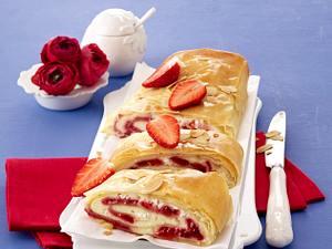 Leichter Erdbeer-Quark-Strudel Rezept