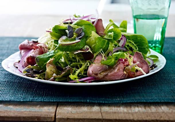 Leichter Wintersalat mit Roastbeef-Aufschnitt Rezept