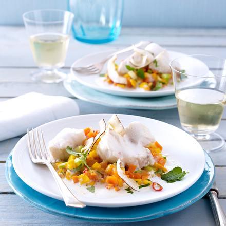 Lengfischfilet in Kokosmilch auf Möhren-Mango-Confit Rezept