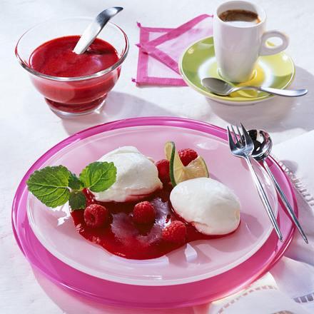 Limetten-Joghurt-Mousse mit Himbeeren Rezept