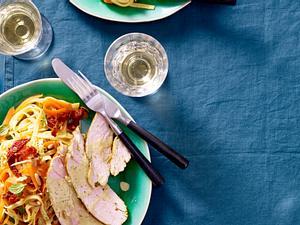 Limetten-Minze-Putenbrust mit Karotten-Ingwer-Nudeln Christina Richon Rezept