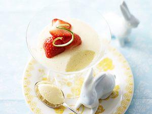 Ostermenü - Dessert: Limettencreme mit Erdbeersoße Rezept