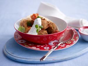 Linsen-Falafel mit Tomatengemüse & Minzjoghurt Rezept