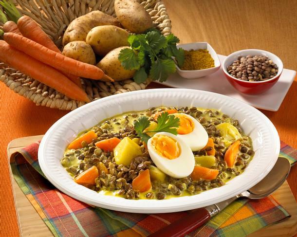 Linsen Kartoffel-Curry mit Eiern Rezept