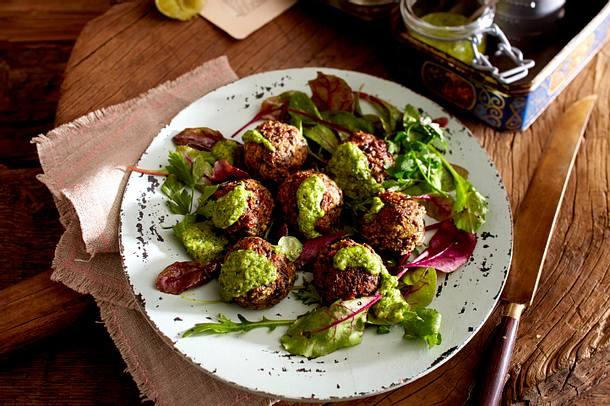 Linsen-Zucchini-Klopse mit Pistazien-Pesto Rezept