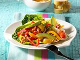 Linsensprossensalat mit Kirschtomaten, Paprika und Avocado Rezept