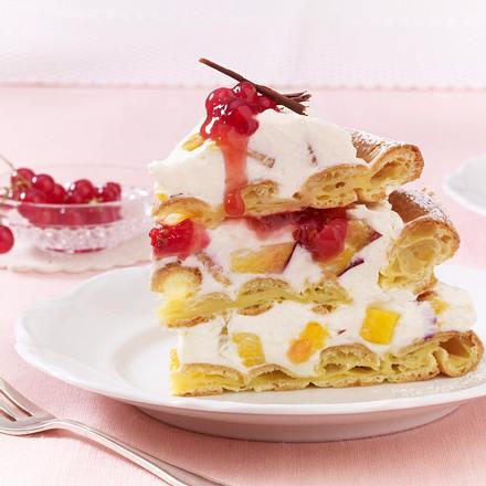 Luftige Brandteig-Käse-Sahne-Torte mit Pfirsich Rezept