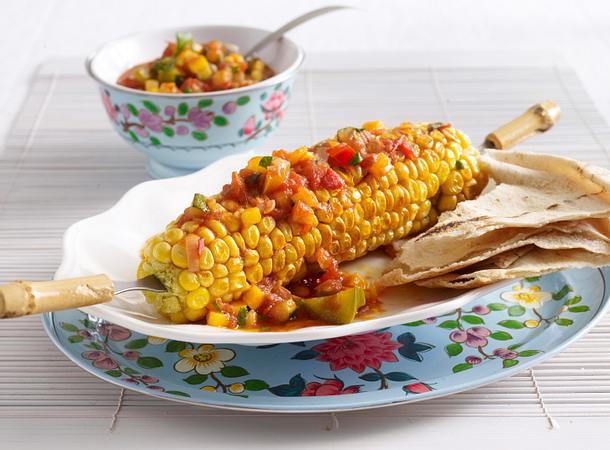 Maiskolben mit Gemüsesalsa und Fladenbrot Rezept