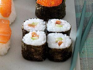 Maki-Sushi (gerolltes Sushi) Rezept