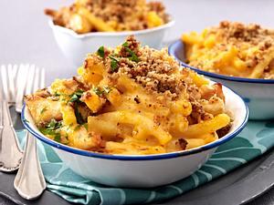 Makkaroni and Cheese (Makkaroni mit Hähnchenstreifen in Käsesoße) Rezept