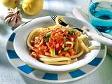 Makkaroni mit Meeresfrüchte-Tomatensauce Rezept