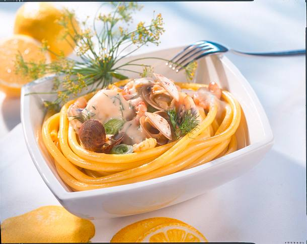 Makkaroni mit Meeresfrüchten in Zitronensoße Rezept