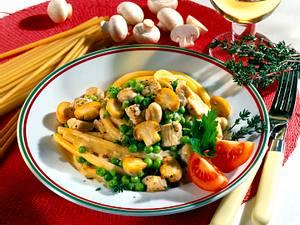 Makkaroni mit Puten-Käsesahnesoße Rezept