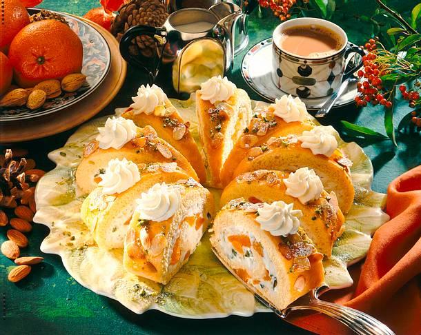 Mandarin-Nuss-Biskuitrolle Rezept