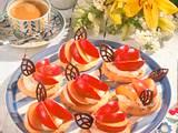 Mandel-Biskuittaler mit Sommerpflaumen Rezept