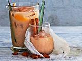 Mandel-Chai auf Eis Rezept