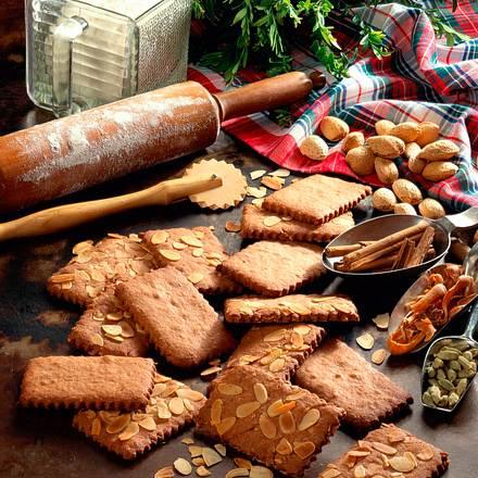 Mandel-Gewürz-Plätzchen Rezept