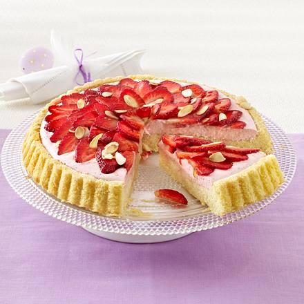 Mandel-Obstboden mit Erdbeeren und Erdbeercreme Rezept