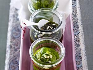 Mandel-Rauke-Minz-Pesto Rezept