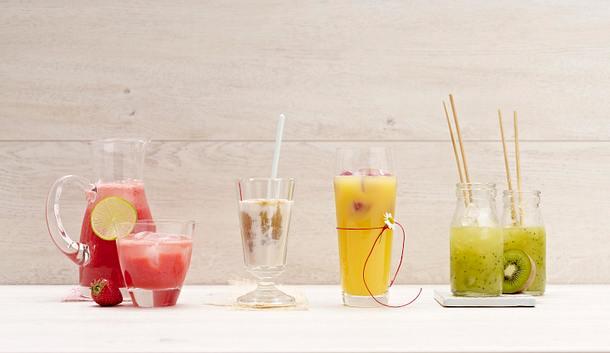 Mango-Apfel-Molke-Drink mit Himbeer-Eiswürfeln Rezept