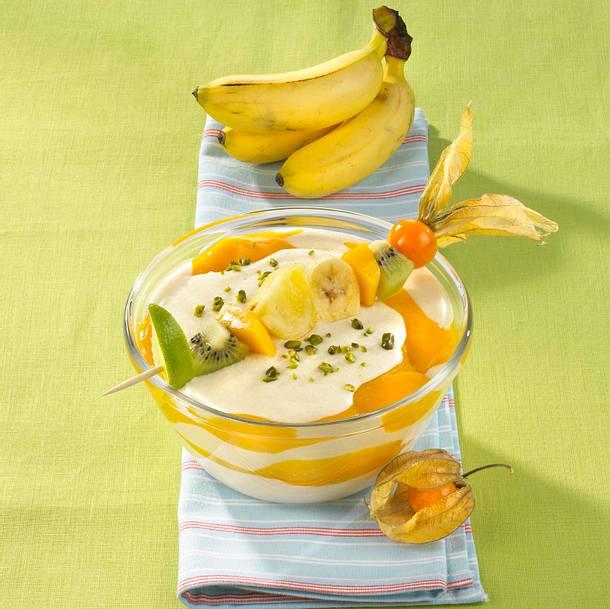 Mango-Joghurt mit Fruchtspieß Rezept