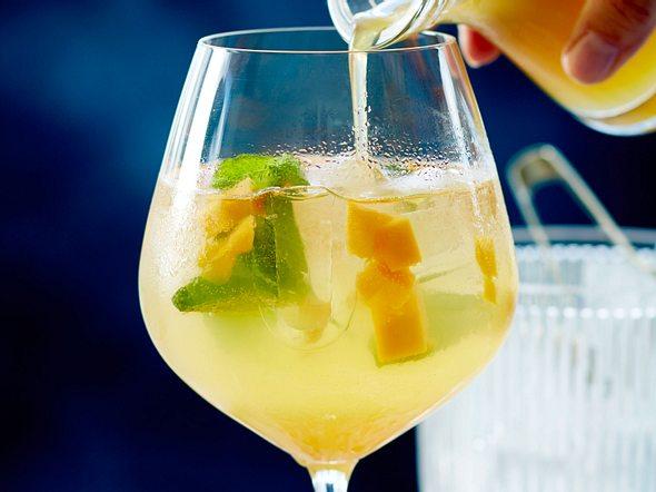 Mango-Maracuja-Spritz Rezept