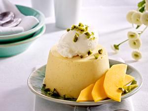 Mango-Parfait mit Sahne und Pistazien Rezept