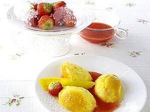 Mangoflan-Nocken mit Erdbeersoße Rezept