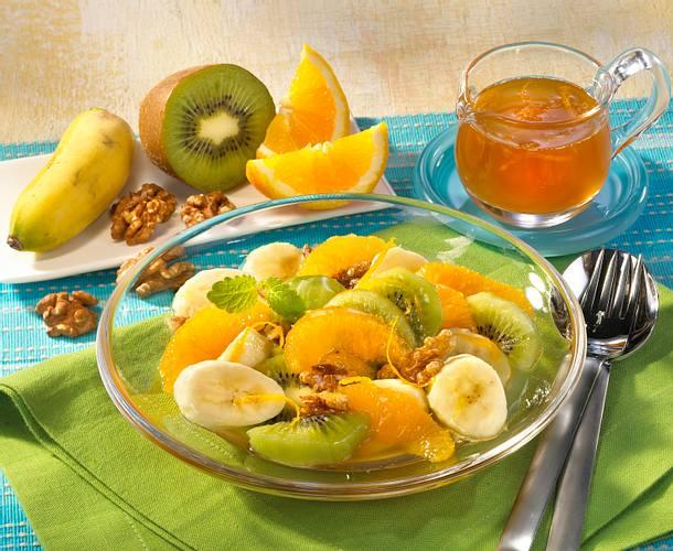 Marinierte Früchte mit Walnüssen Rezept