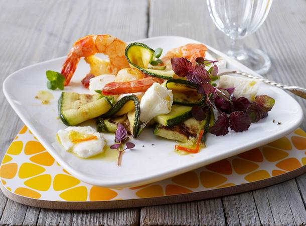 Marinierte Garnelen mit Mozzarella und Zucchini Rezept
