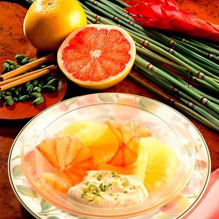 Marinierte Grapefruitscheiben mit Zimt-Crème fraîche Rezept