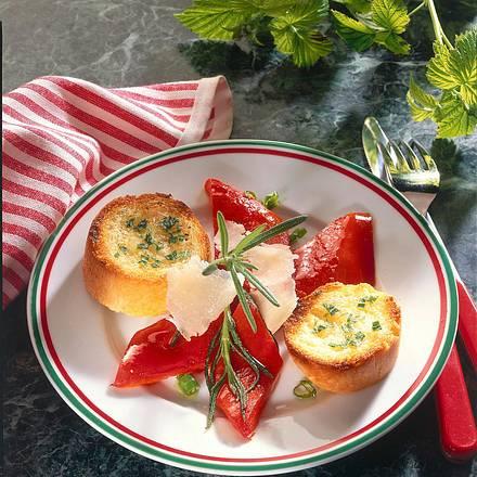 Marinierte Paprika mit Rosmarin-Baguette Rezept