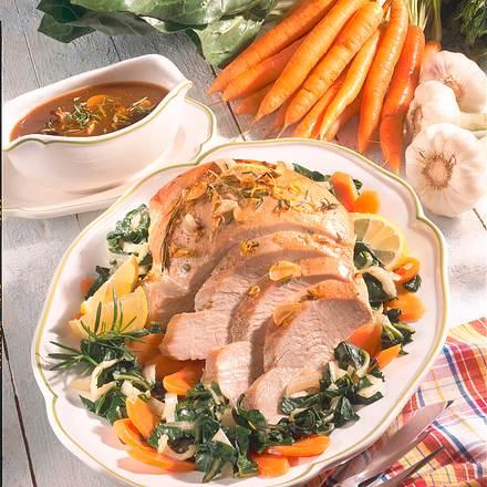 Marinierte Putenbrust auf Mangold-Möhren-Gemüse Rezept