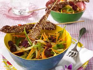 Marinierte Sate-Spieße vom Rind mit Asia-Salat Rezept