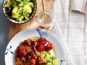 Marinierte Schweinekoteletts mit Erbsen-Minz-Püree und Kirschtomaten Rezept