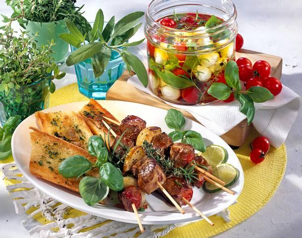 Marinierter Mozzarella und Kirschtomaten in Kräutersud Rezept