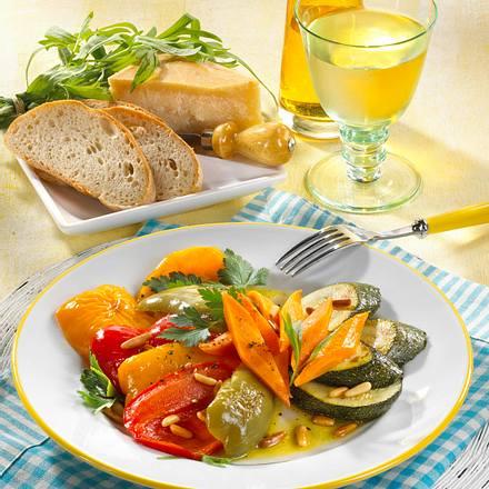 Mariniertes Gemüse mit Pinienkernen Rezept